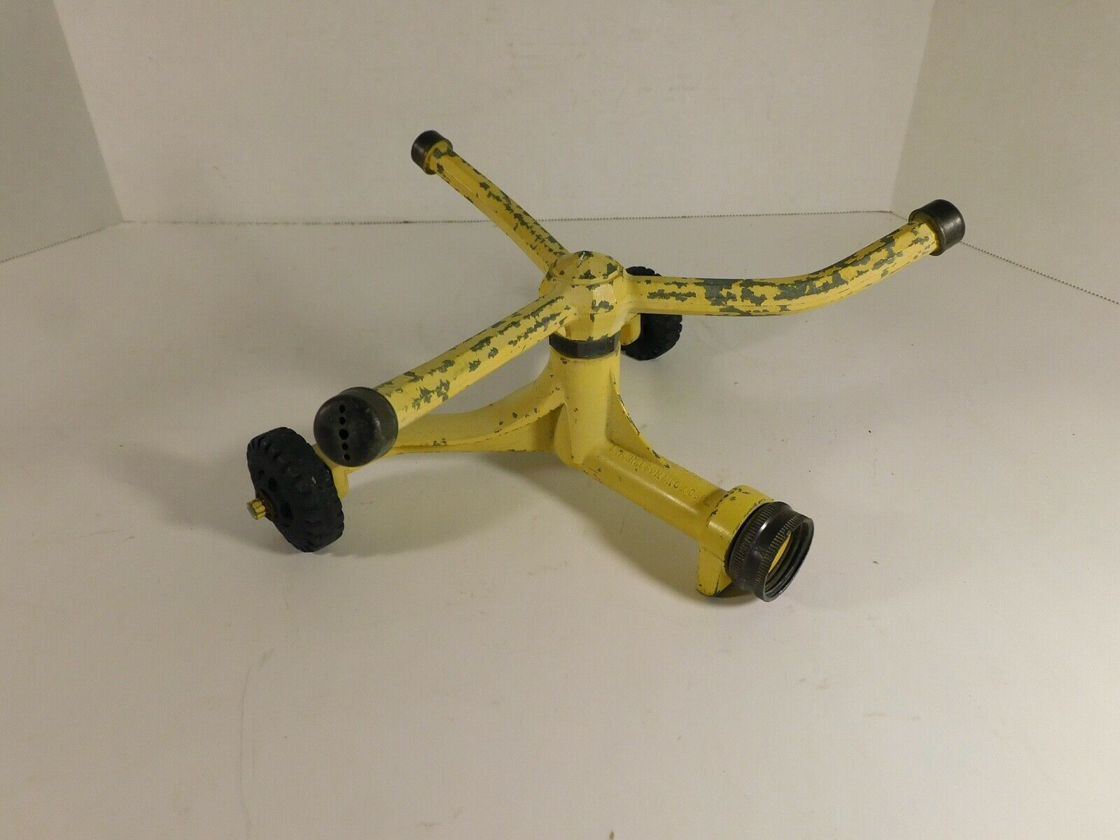 Vintage Nelson 3 Arm Spinning Rotating Lawn Sprinkler Yellow - Works