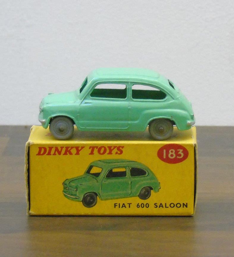Dinky 183 Fiat 600 Berlina Coloreee verde pálido Ruedas Liso muy casi nuevo y sin usar en caja