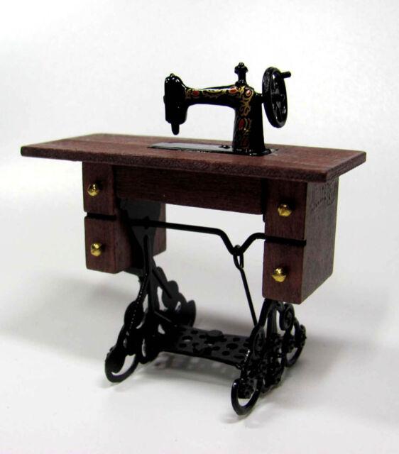 1:12 - sehr schöne Miniatur NÄHMASCHINE - Puppenhaus Miniatur