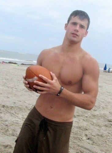 Shirtless Muscular Beach Frat Boy Jock Football Hottie Athletic PHOTO 4X6 N23***