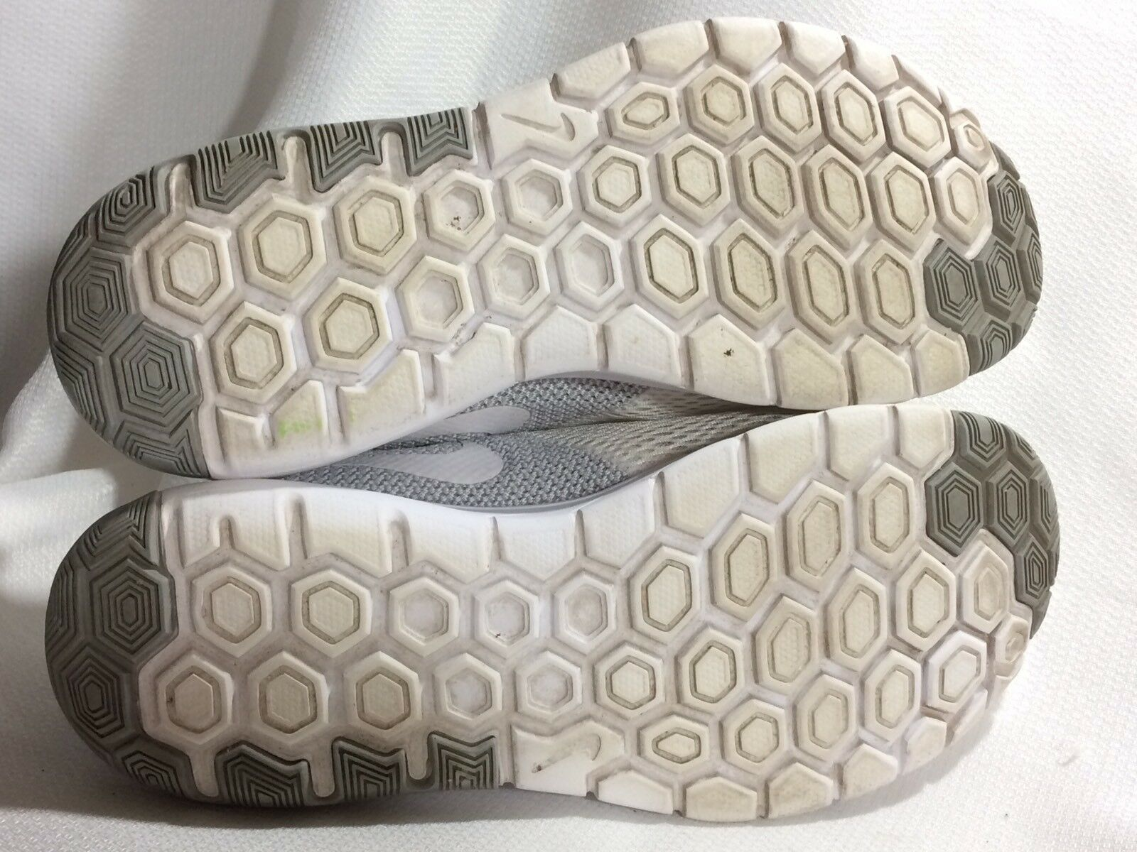 new product bd32c 8cb66 ... NIKE Women 8.5 M Flex Experience RN 5 Running Shoe Shoe Shoe 844729-100  Sneaker