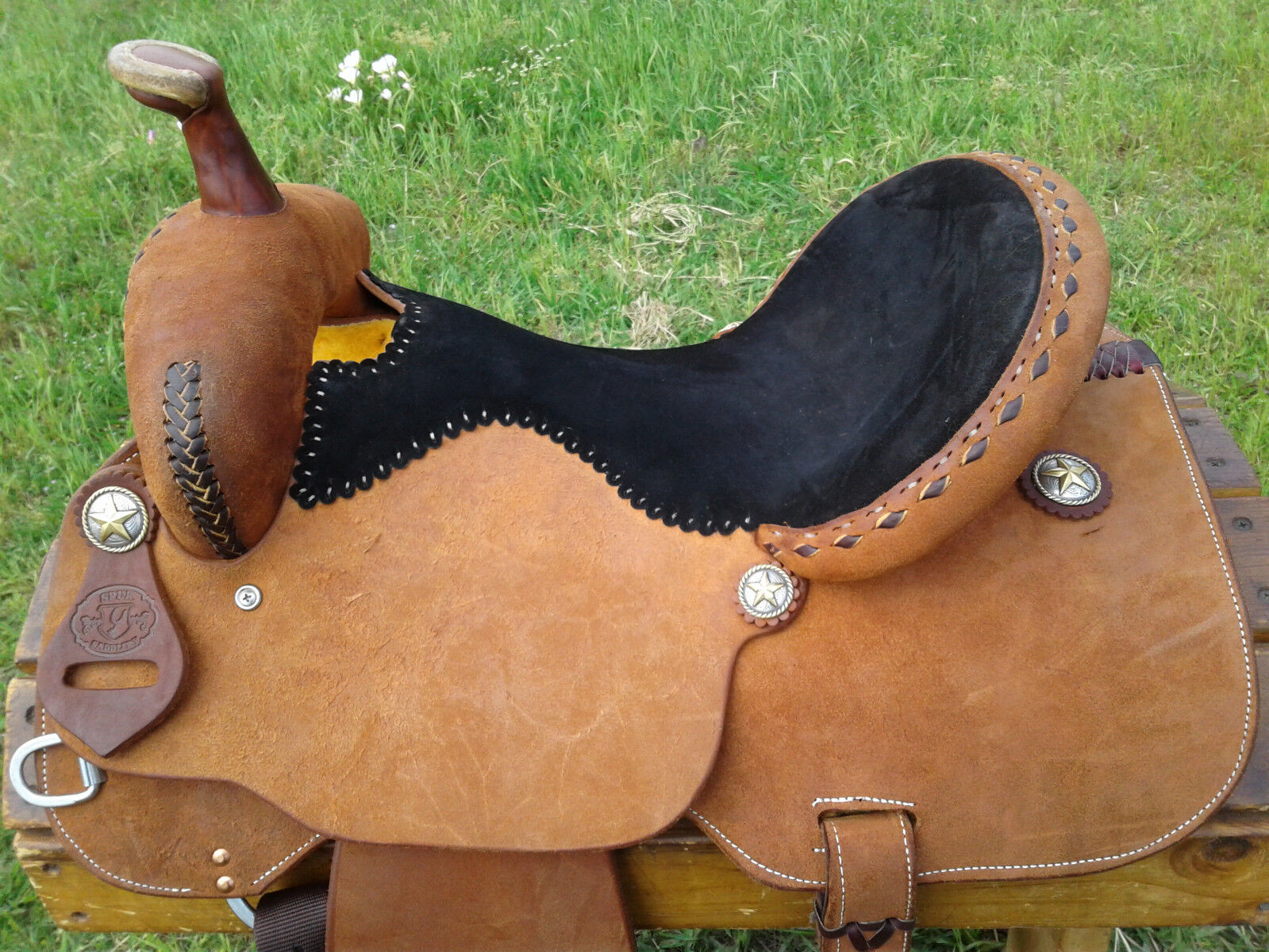 16   Spur Saddlery Barrel Racing Saddle - Made in Texas  welcome to buy