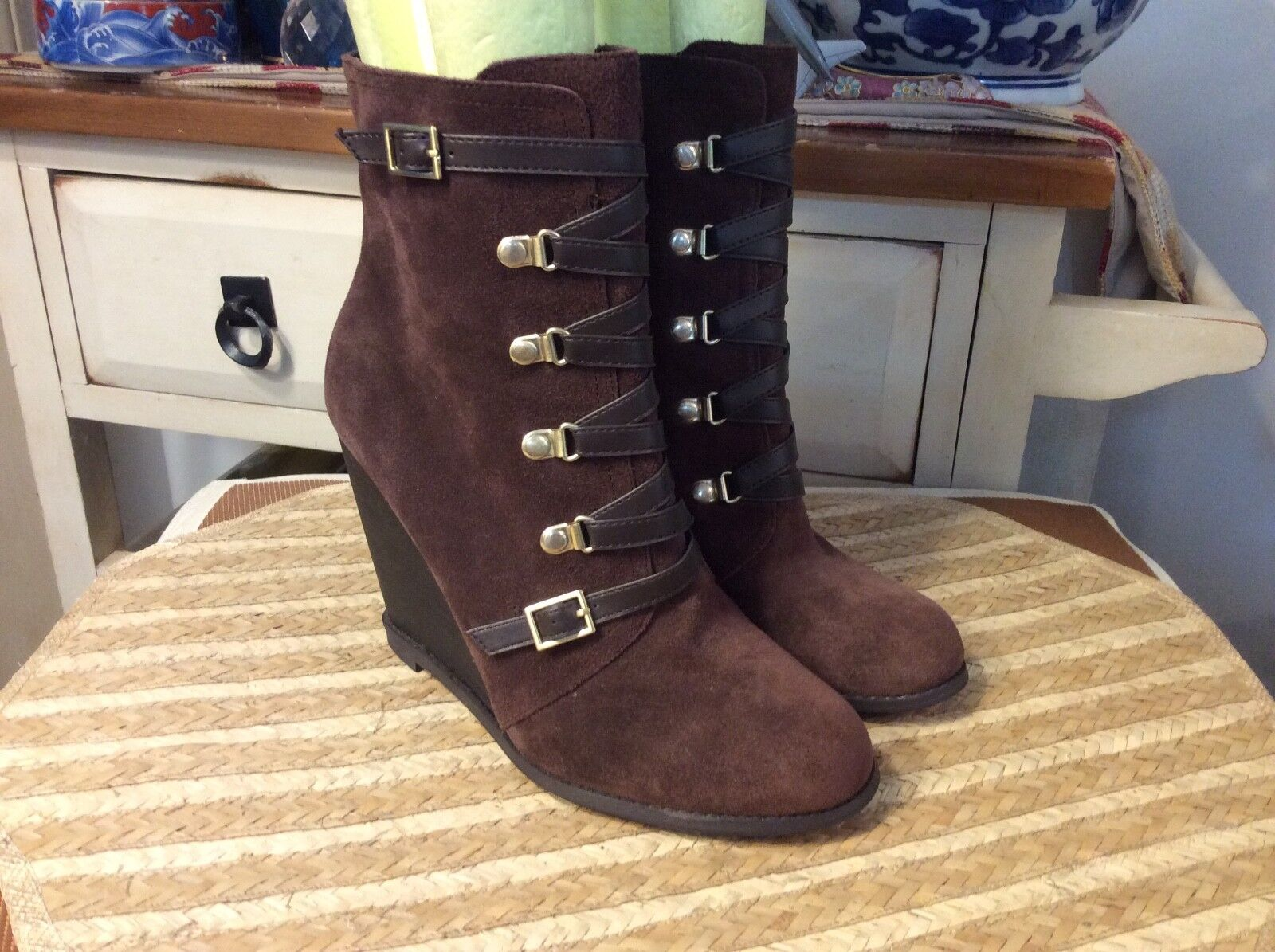 BCBG Kadeer Women's Brown Suede Side Zip Wedge Ankle Boots Size 8M