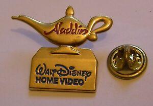 ALADDIN-The-MAGIC-LAMP-golden-tone-vintage-pin-badge-Disney-Home-Video