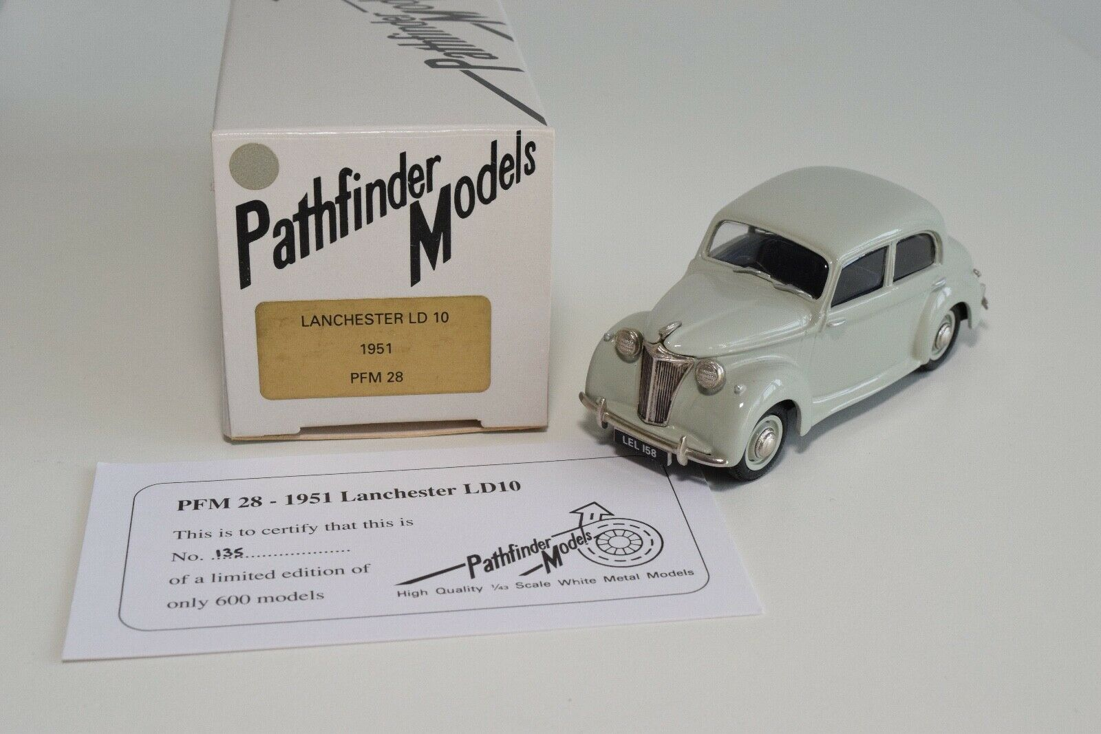 FF 1 43 PATHFINDER PFM 28 PFM28 LANCHESTER LD 10 1951 gris MIB RARE 135 600