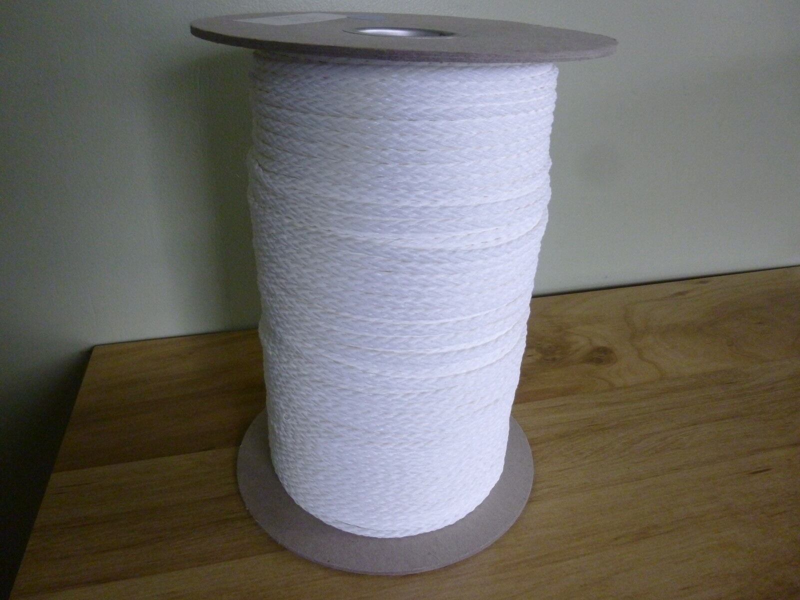 3 16  x 800 ft. Spool of Hollow Braid Polyethylene Rope. White. Made in USA.