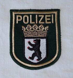 Polizei-Armel-Abzeichen-Patch-Berlin-alte-Uniform-Zustand-sehr-gut