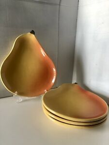 POTTERY-BARN-PEAR-SET-OF-4-FOUR-LUNCHEON-DESSERT-PLATES-fruit-PORTUGAL