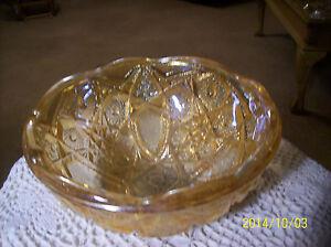 Heirloom-Marigold-Carnival-Pressed-Glass-Vintage-Paneled-Daisy-Indiana-Glass