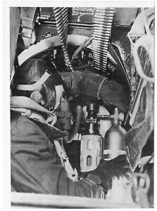 Beobachter-eines-Fernaufklaerers-Orig-Pressephoto-von-1943