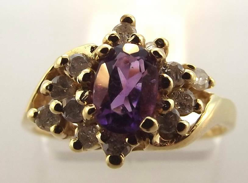 14KT YELLOW gold OVAL AMETHYST & DIAMOND RING SIZE 7 (3R 160-10789)