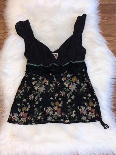 Free People Size 6 Bohemian Floral Crochet Details