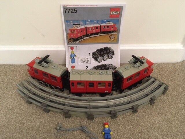 Vintage Lego 12v 7725 Electric Passenger Train Set 1981 - 100% complete