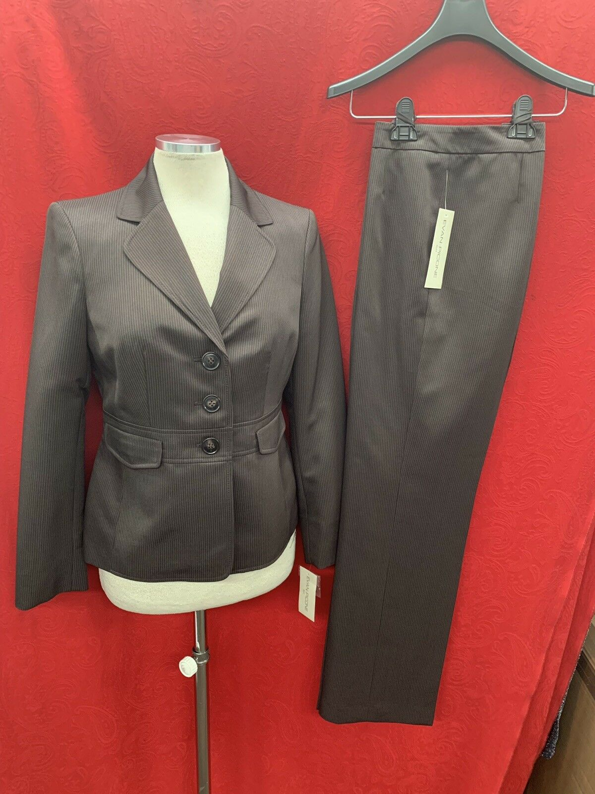 EVAN PICONE PANT SUIT CHOCLATE  SIZE 10 NEW WITH TAG RETAIL INSEAM32