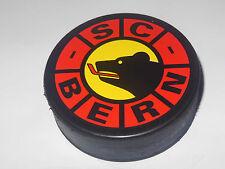 Schweizer Club // SC BERN // offizielle match eishockey puck // IIHF swiss team