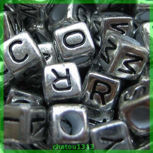 lot perle lettre alphabet cube noir et argenté mélangé ou au choix A à Z 6mm