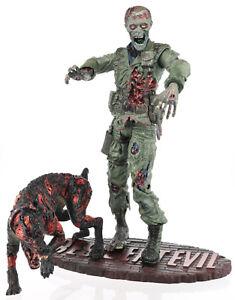 Resident Evil Series 1 Palisades avec figurine 7   Resident Evil Series 1 Code Veronica Soldier Zombie 7