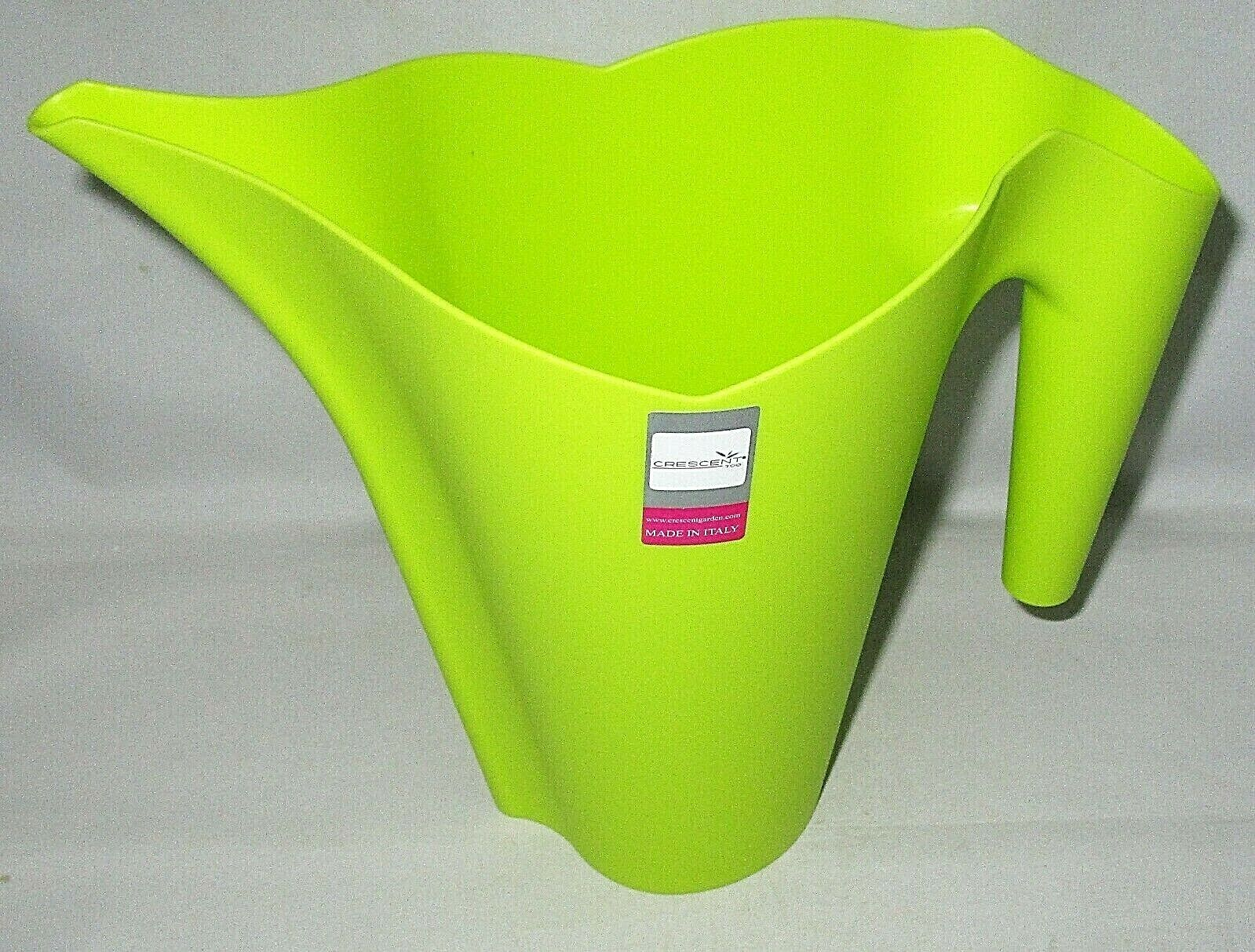 DECORATIVE WATERING CAN Holds 32 oz 7.5