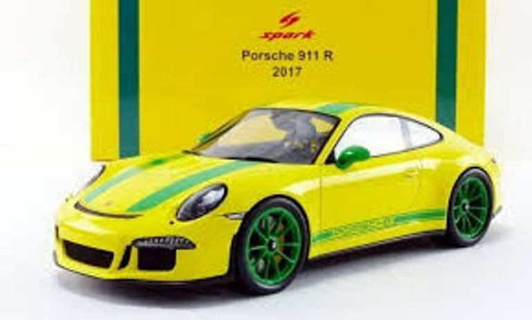 New in Box 1 18 scale model Spark 2017 PORSCHE 911 R  18S259 Jaune Vert