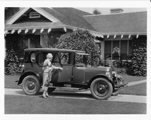 Ref. #59862 Factory Photo 1925 Oakland Four Door Landau Sedan
