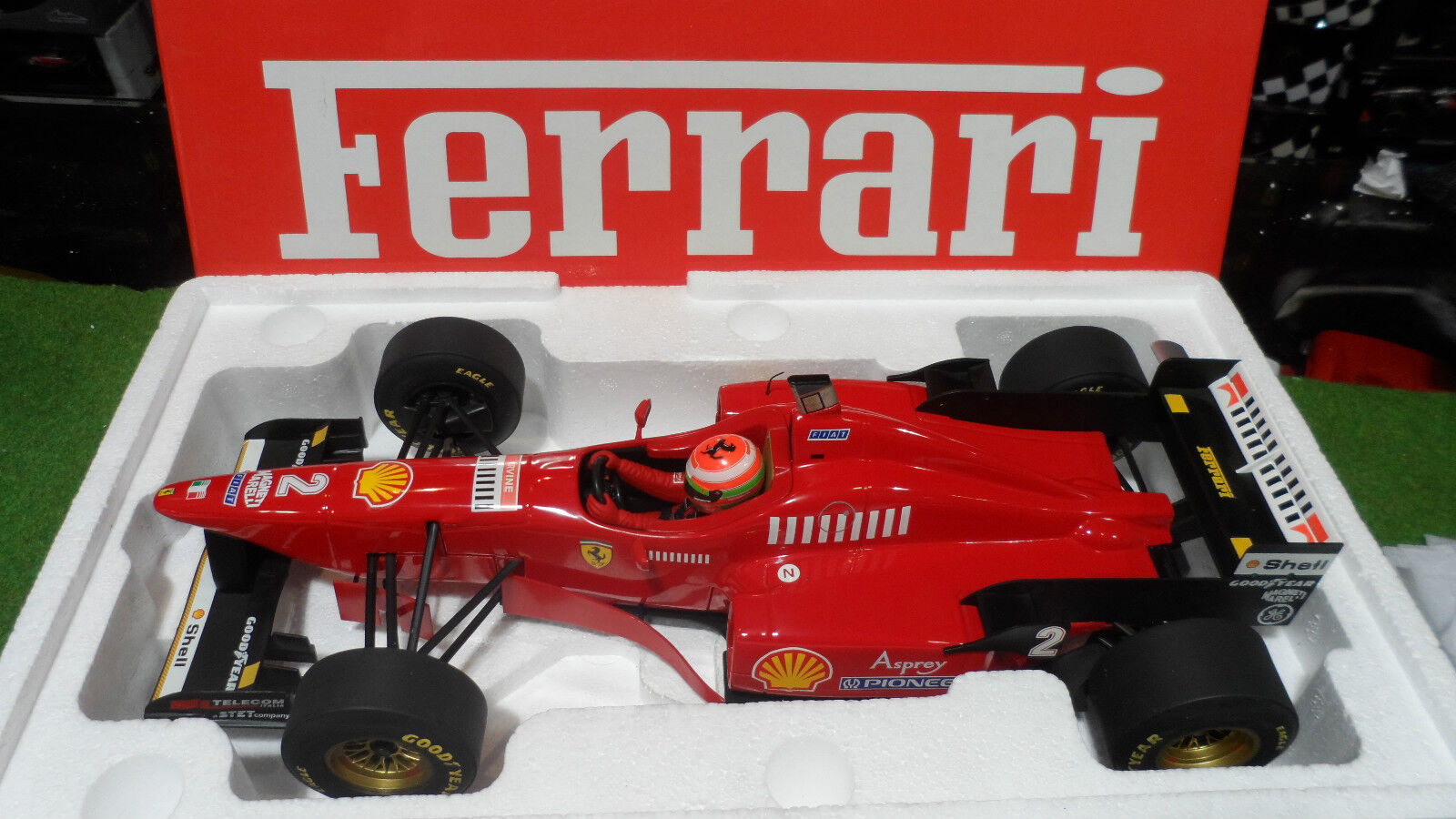 F1 FERRARI 1996 F310 2 formule 1 IRVINE 1 12 MINICHAMPS 120960022 voiture miniat