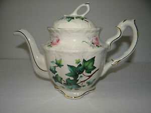 Crown-Dorset-Staffordshire-England-Tea-Pot-Chic-Pink-Roses-Ivy-Gold-Trim