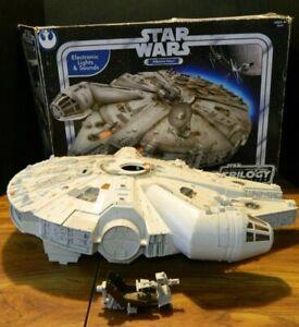 Vintage-Hasbro-Star-Wars-Original-Trilogy-Millennium-Falcon-85234-2004-Good