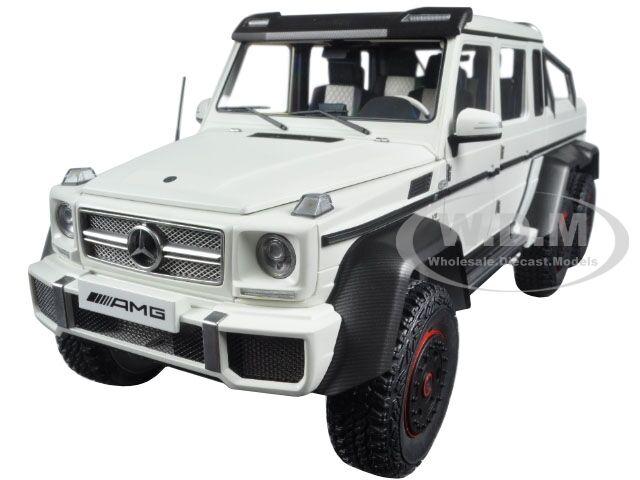 MERCEDES BENZ G63 AMG 6X6 MATT bianca  1/18 MODEL CAR BY AUTOART 76303