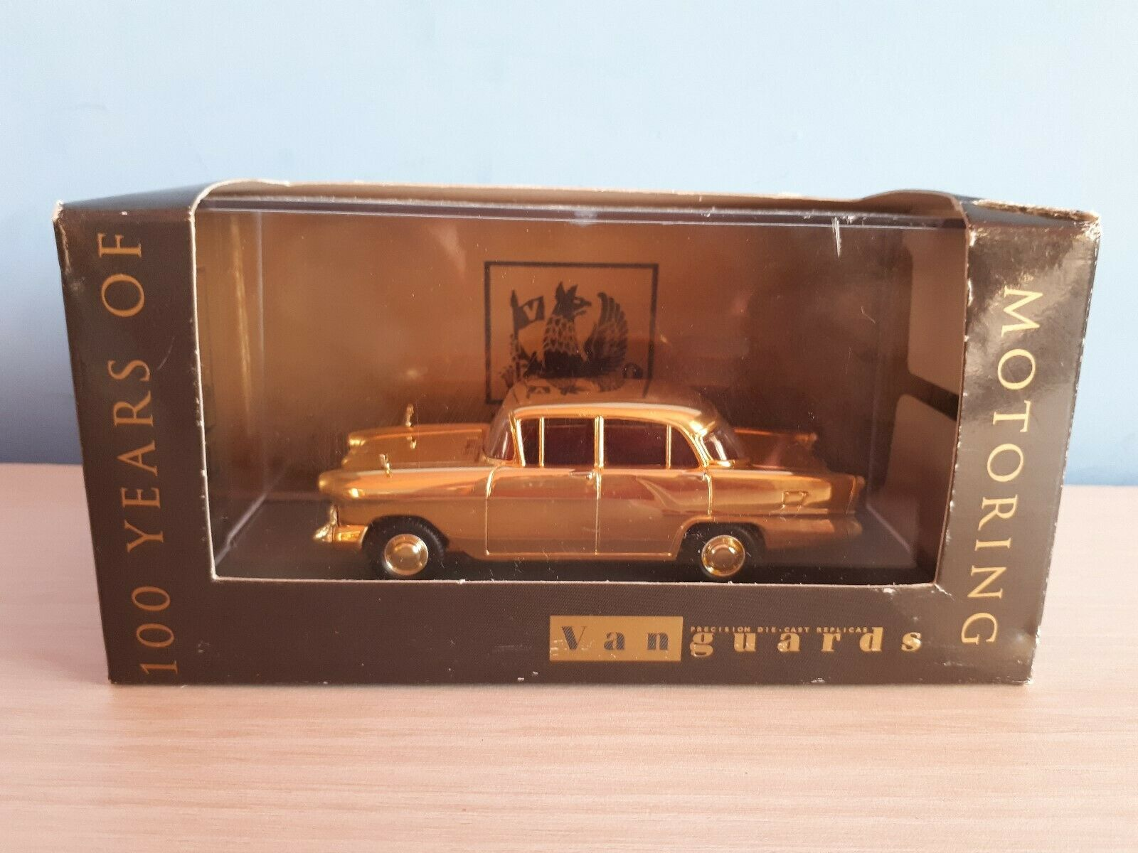 VANGUARDS ( CORGI )  VAUXHALL VICTOR gold  OVP 1 43 Limited Edition.