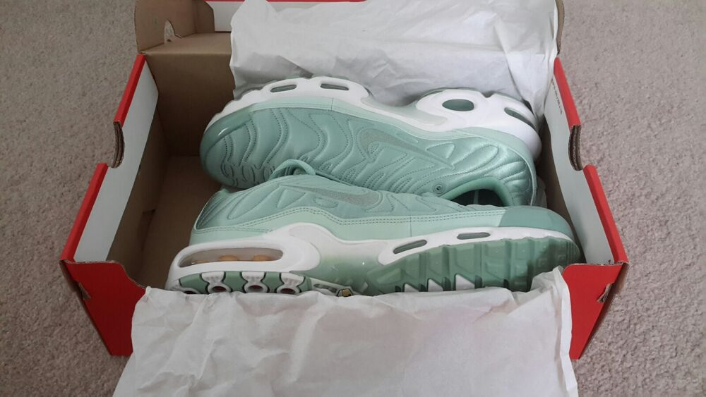 Nike Air Max TN émail vert  Chaussures de sport pour hommes et femmes