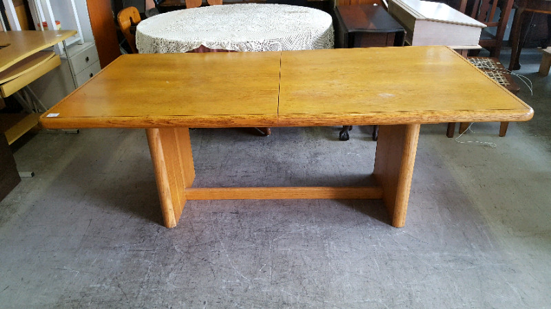 DINNING TABLE &CHAIRS