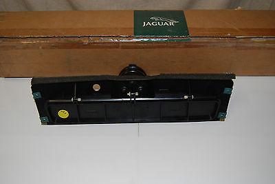 JLM11676 Jaguar XJ40 Air Flap and Actuator