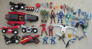 Huge Lot 1997 Bandai MMPR Power Rangers Figures Cycles Galactic Speeder etc.