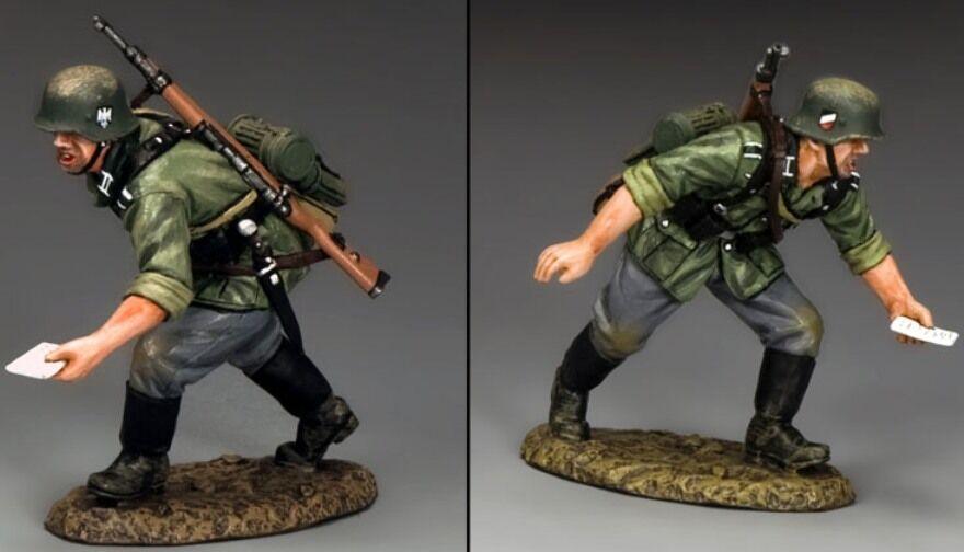 KING & COUNTRY WW2 GERMAN ARMY WS234 RUNNING MESSENGER MIB