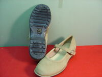 Womens LANDS END Tan Mary Jane Style Loafers Size 7D