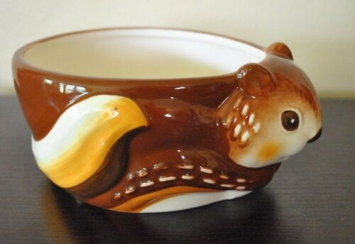 NEW BETTER HOMES /& GARDENS Cereal//Salad BOWL 3D Animal Chipmunk Hand Painted