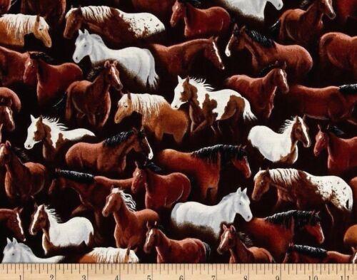 FAT QUARTER  SUNDANCE  HORSES FABRIC QUILTING TREASURE COTTON HORSE MUSTANG  FQ