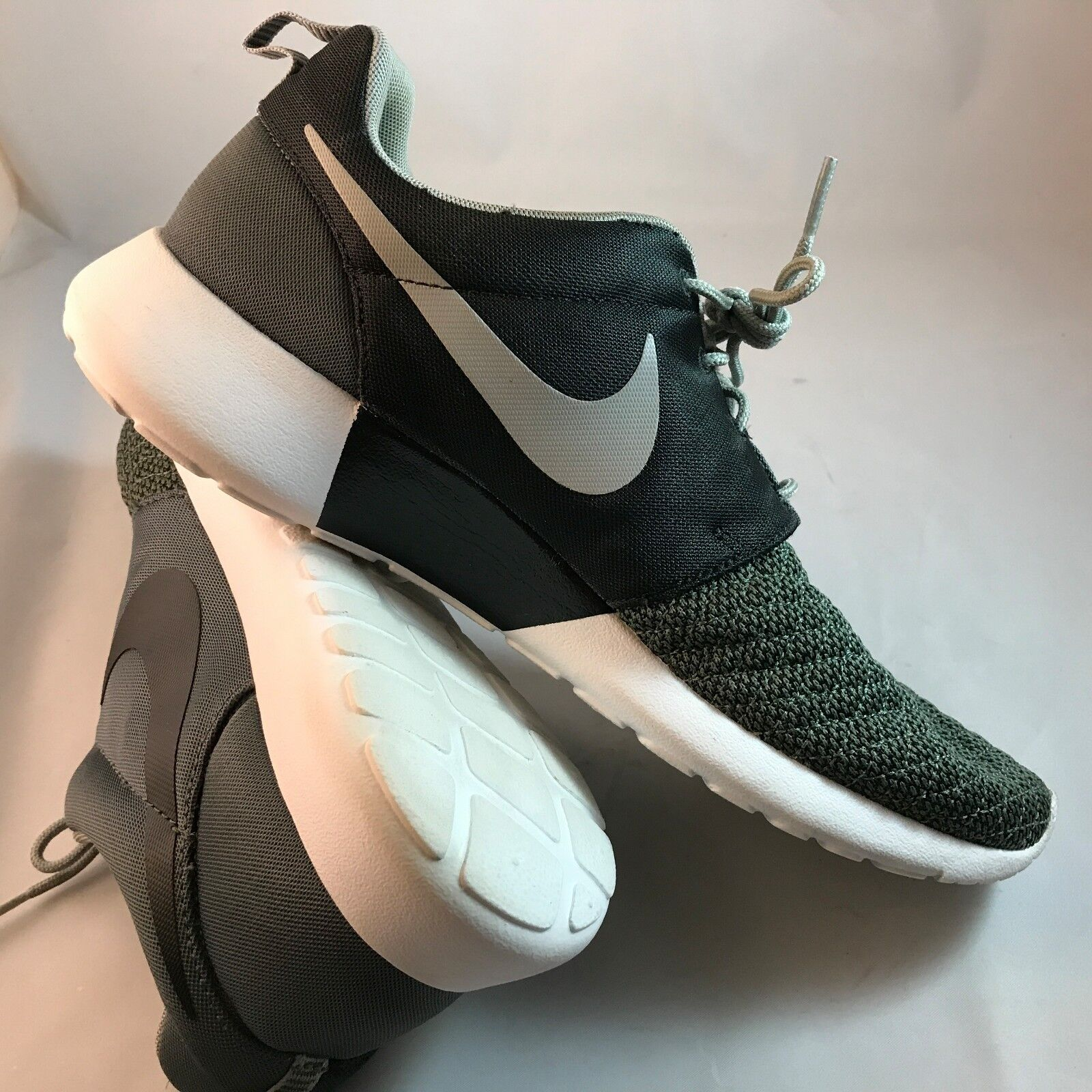Nike Roshe run Premium Dark Mica Green sz 10.5 Men's 525234-301 Flyknit Racer