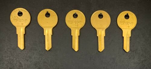 Lots of 2//5 Y104 O1122BR Type Key Blanks for Yale//Hudson