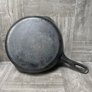 Vintage 9 Inch Cast Iron Skillet Marked W and 6