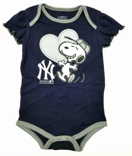 MLB New York Yankees Snoopy Baby Girl Bodysuit//Creeper