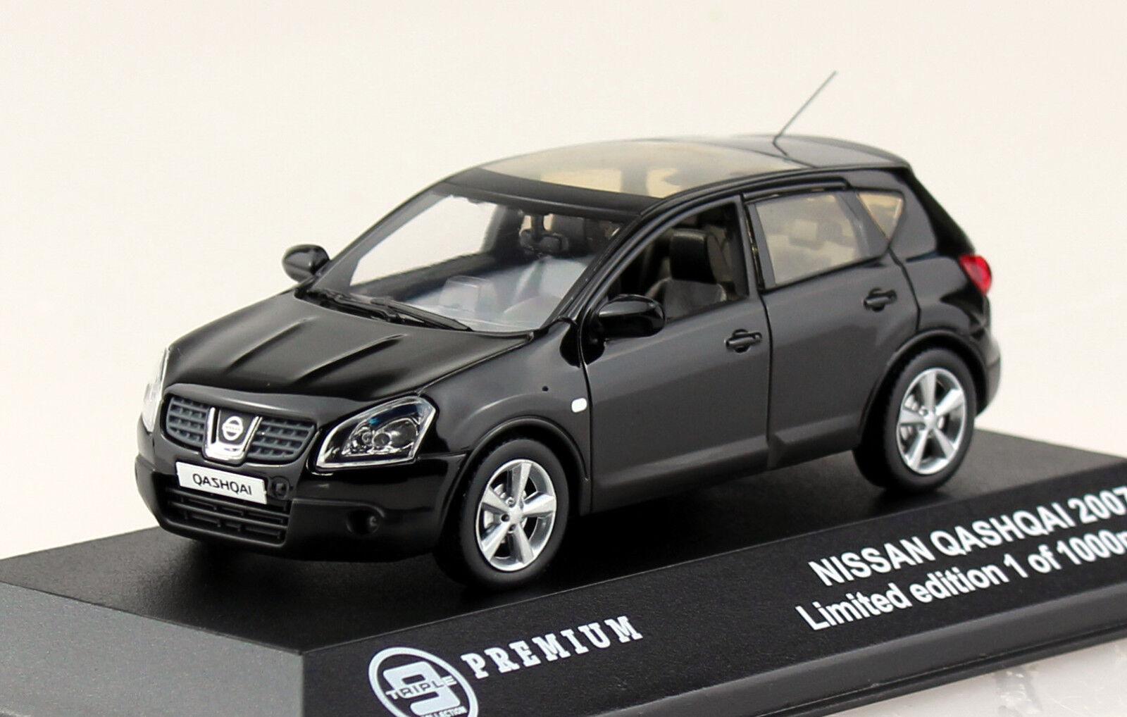 Nissan Qashqai 2007 black 1 43 Triple 9  Modellauto 10025