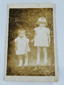 Vintage-Collectible-Real-Photo-Post-Card-2-Young-Girls-All-Dressed-Up-Early-30s