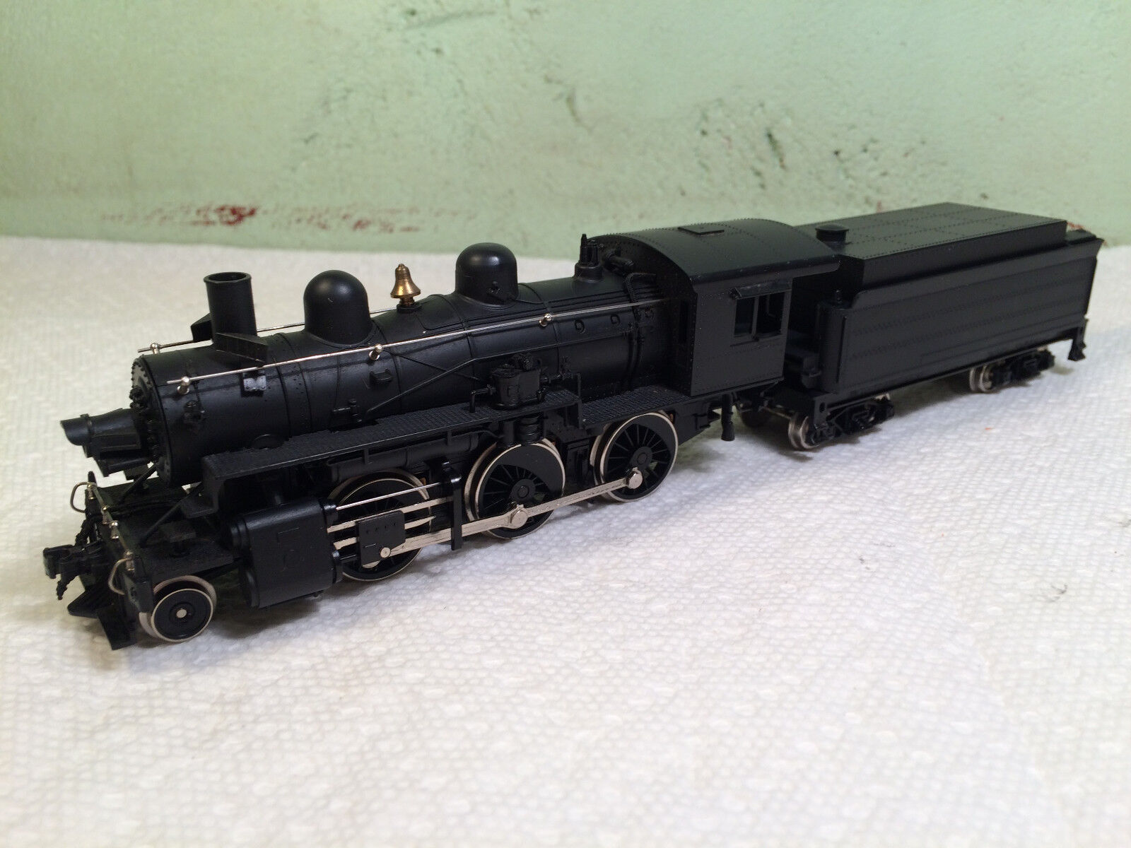 IHC 2-6-0 Locomotive - HO Scale - Mehano