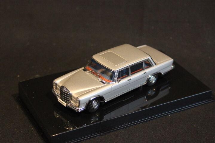 CarArt Mercedes-Benz Typ 600 SWB 1 43 Silber (JS)