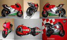 Maquette moto gp Capirossi mugello minichamps au 1/12 éme bike