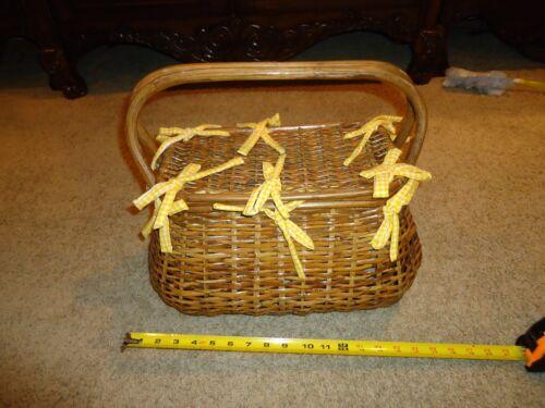 VINTAGE Wicker wood Basket Purse Hand Bag Picnic B
