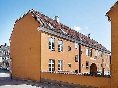 8800 vær. 2 lejlighed, m2 77, Sct. Mathias Gade