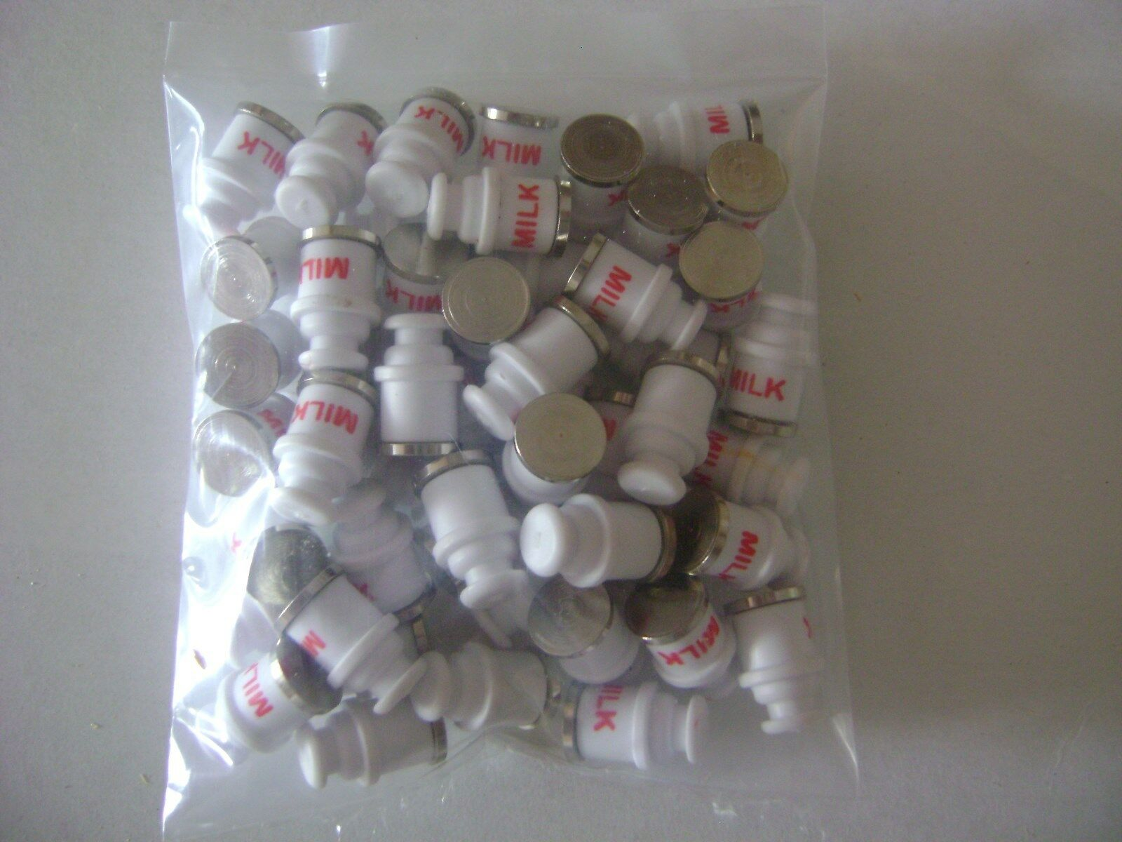 Lionel 3662-70 bianca Milk Cans- (pkg.of (pkg.of (pkg.of fifty) 2404ca