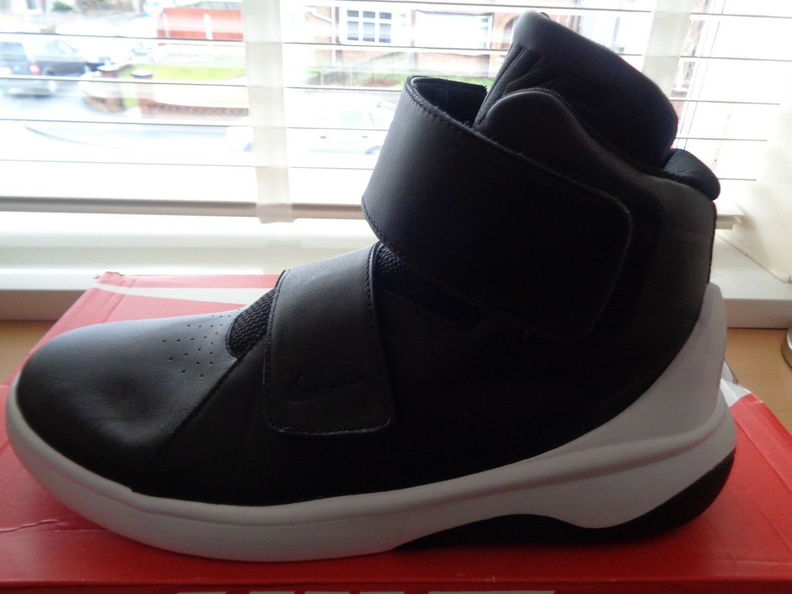 Nike Marxman Para hombre zapatilla de deportebota 832764 001 UK 8.5 EU 43 nos 9.5 Nuevo + Caja